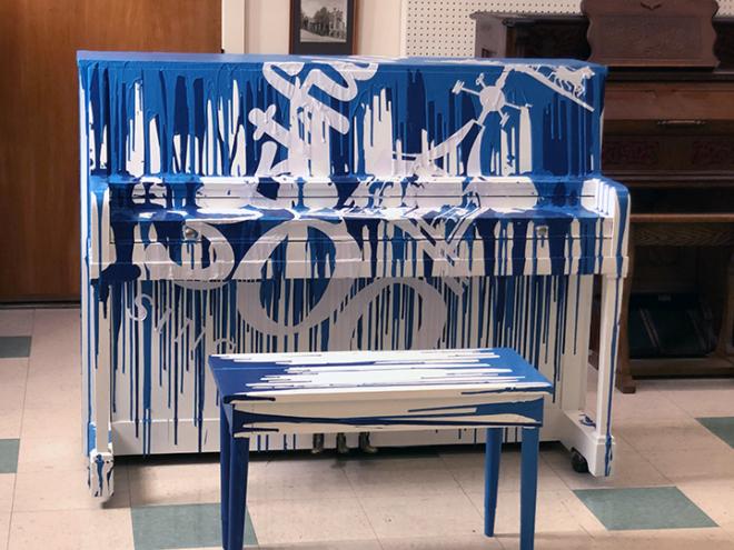 W300 Piano